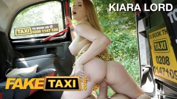 โดนเย็ด เสียวหี เย็ดในแท็กซี่ เย็ดในรถ เย็ดฟรี